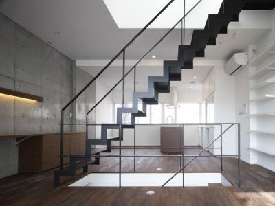 代々木ハウス (リビング・階段 4)