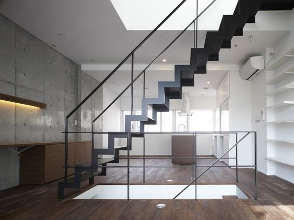 代々木ハウスの写真 リビング・階段 4