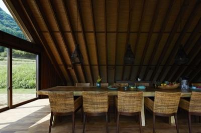 阿蘇・Villa B (5mの1枚板テーブルのあるダイニング2)