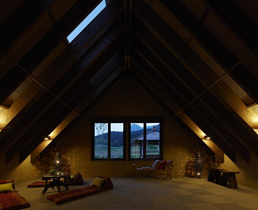 阿蘇・Villa Bの部屋 雑魚寝部屋1(夜景)