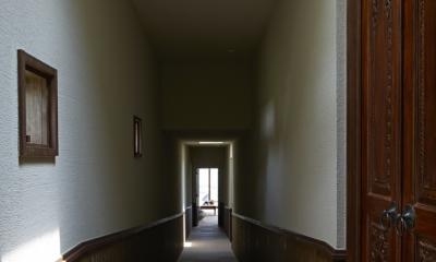 あえて暗い廊下|阿蘇・Villa B