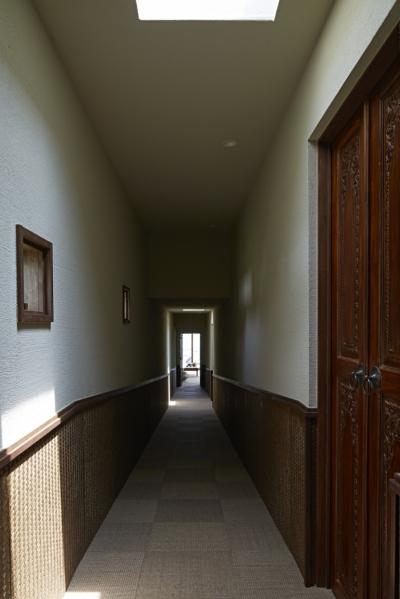 あえて暗い廊下 (阿蘇・Villa B)