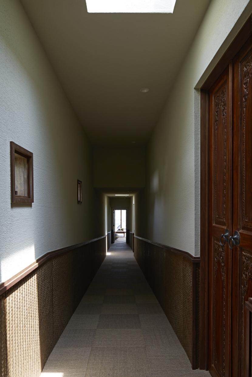阿蘇・Villa Bの部屋 あえて暗い廊下