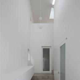 曙橋の家 / 都心の小さな家 (玄関 / 開放感のある玄関)