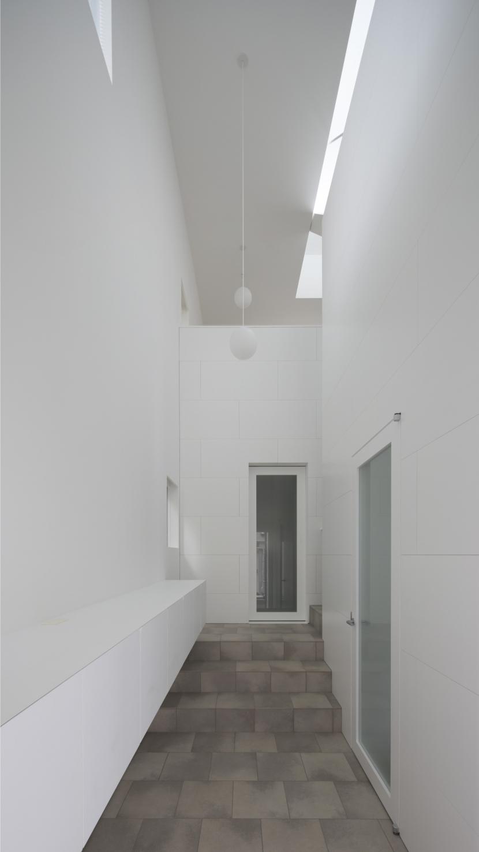 曙橋の家 / 都心の小さな家の写真 玄関 / 開放感のある玄関