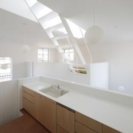 曙橋の家 / 都心の小さな家 (キッチン / 開放的な明るいキッチン2)