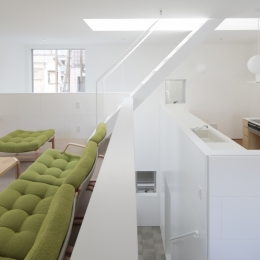 曙橋の家 / 都心の小さな家 (階段 / LDKに光を導く階段)