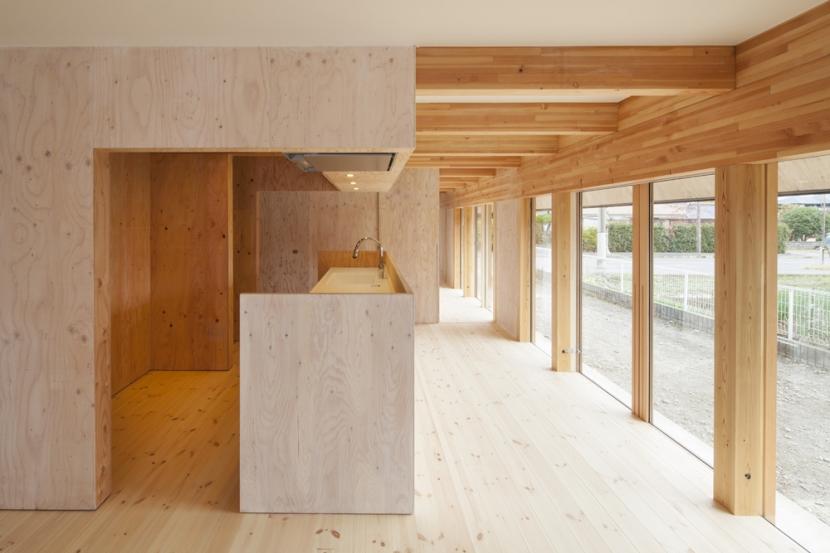 武蔵増戸の家 / 郊外の庭家の部屋 ダイニングキッチン1