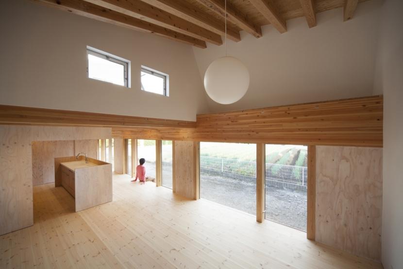 アソトシヒロデザインオフィス/阿蘓俊博「武蔵増戸の家 / 郊外の庭家」
