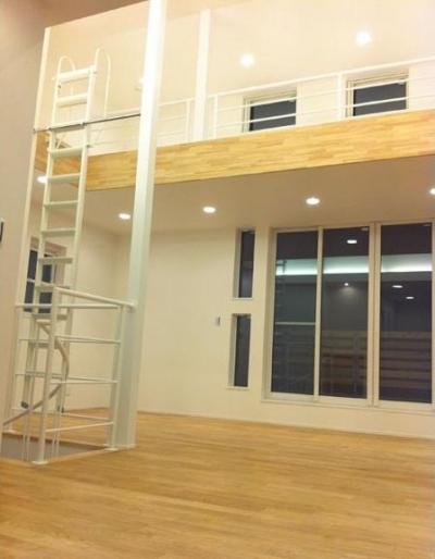 らせん階段ハウス (リビング 3)