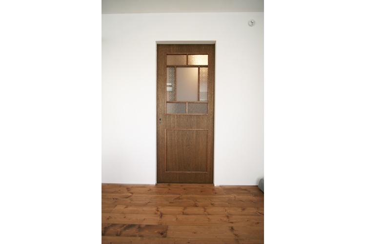 西堀の家-和モダンスタイル-の部屋 扉