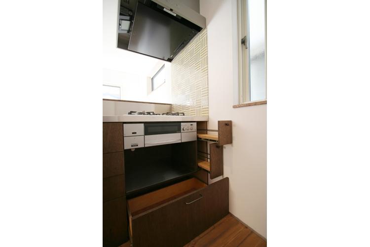 西堀の家-和モダンスタイル-の部屋 キッチン収納