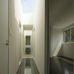 ベンチハウス (廊下)