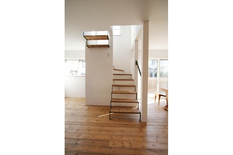 西堀の家-和モダンスタイル-の写真 階段