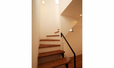 シンプルかわいい 古谷上の家 (階段)
