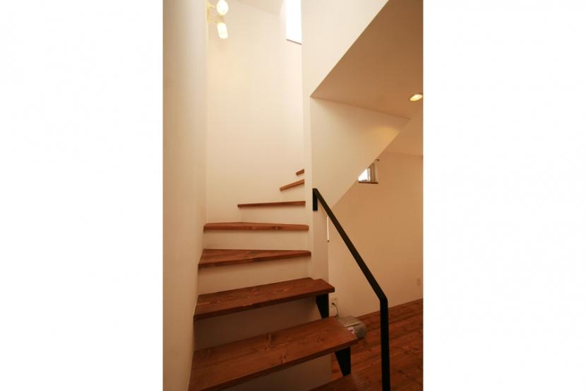 シンプルかわいい 古谷上の家の写真 階段
