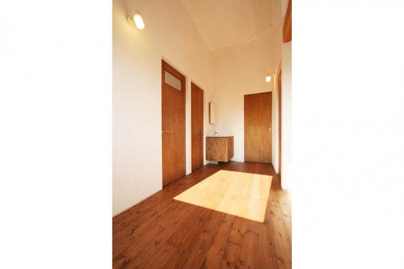 シンプルかわいい 古谷上の家 (廊下)