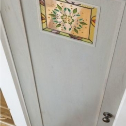 ほっこりスタイリッシュ 中川の家 (デザイン性のある扉)