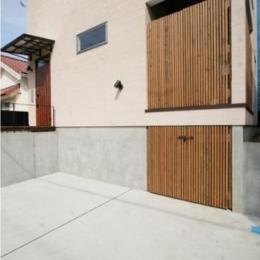 岸町の家 -oneself style- (駐車場)