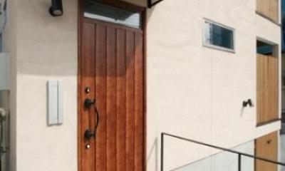 玄関(外)|岸町の家 -oneself style-