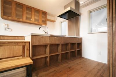 キッチン収納 (岸町の家 -oneself style-)