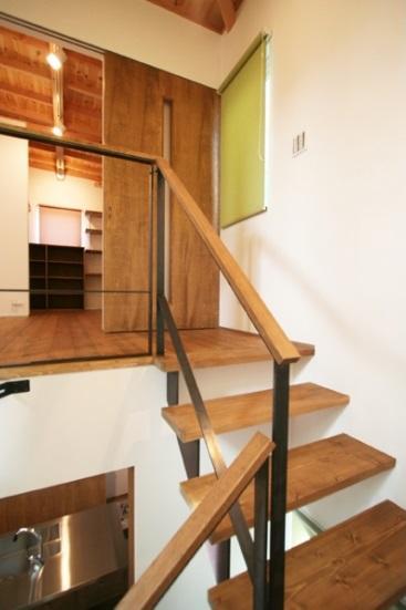 岸町の家 -oneself style- (階段)
