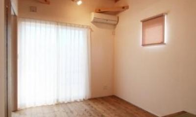 岸町の家 -oneself style- (小上がり畳スペースのある部屋)