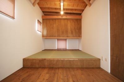 小上がり畳スペースのある部屋(畳部分) (岸町の家 -oneself style-)
