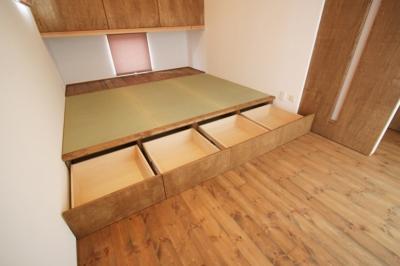 小上がり畳スペース(床下収納) (岸町の家 -oneself style-)