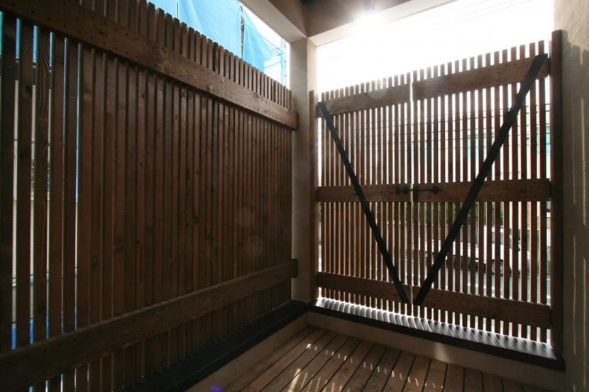 岸町の家 -oneself style- (テラス)