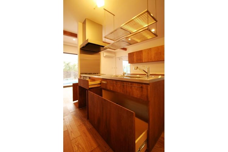 可能性の家 芝の家の部屋 キッチン収納