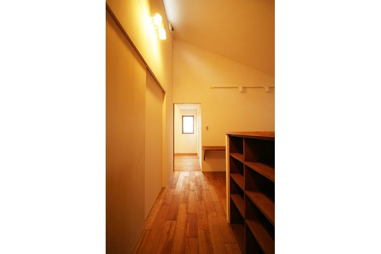 可能性の家 芝の家の部屋 廊下
