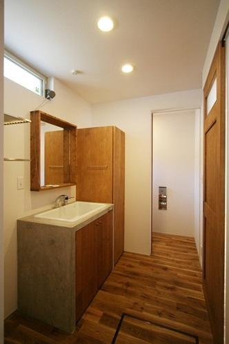 ぬくもりのある家 大間木の家の写真 洗面所