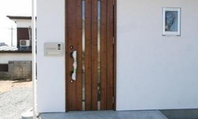 ぬくもりのある家 大間木の家 (玄関(外))
