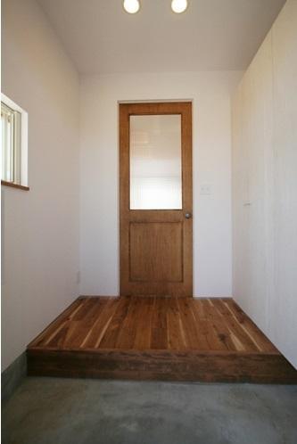 ぬくもりのある家 大間木の家の写真 玄関(内)