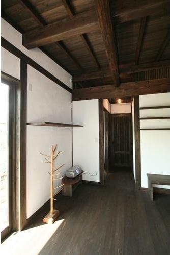 創る・育てる・楽しむ住まい 東大宮の家の写真 リビング2(リビング~廊下)