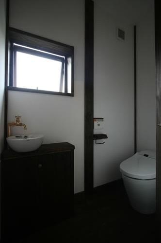 創る・育てる・楽しむ住まい 東大宮の家 (トイレ)