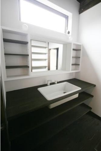 創る・育てる・楽しむ住まい 東大宮の家の部屋 洗面所