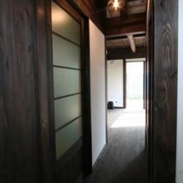 創る・育てる・楽しむ住まい 東大宮の家 (廊下)