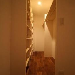 シンプルに暮らす 三室の家 (収納部屋)