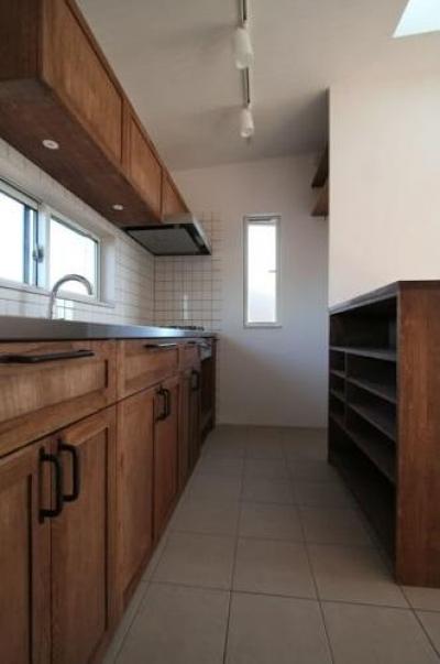 シンプルに暮らす 三室の家 (キッチン)