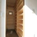 シンプルに暮らす 三室の家の写真 収納