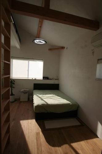 公園で日向ぼっこ&笑顔になれる家の部屋 ベッドルーム