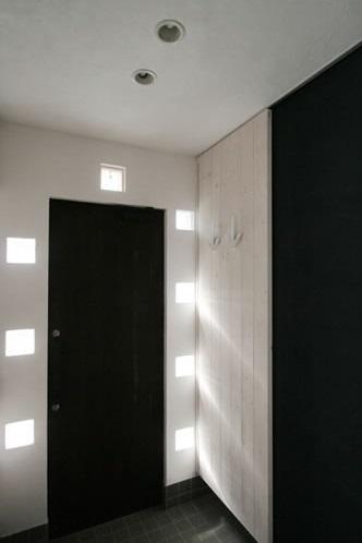 公園で日向ぼっこ&笑顔になれる家の部屋 玄関(内)