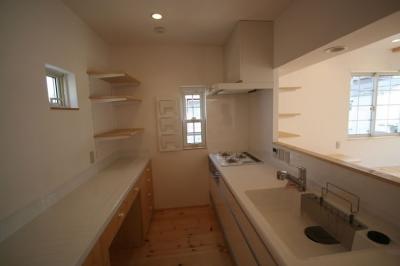 キッチン(内部) (虹のある家)