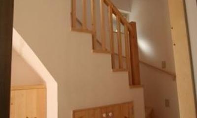 虹のある家 (階段)