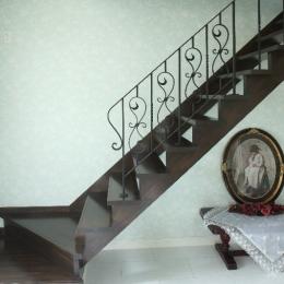 横浜市M邸:旧家の耐震フルリフォーム-ロートアイアン手摺&階段
