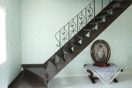 横浜市M邸:旧家の耐震フルリフォーム (ロートアイアン手摺&階段)