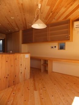 台形の変形敷地に建つ30坪の家 (ダイニング)