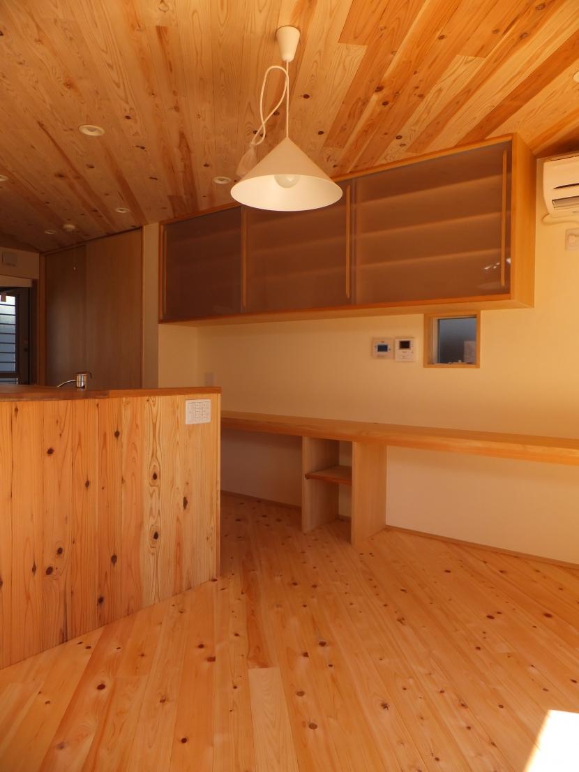 台形の変形敷地に建つ30坪の家の部屋 ダイニング
